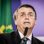 Bolsonaro ataca a imprensa e desdenha de pedidos de impeachment